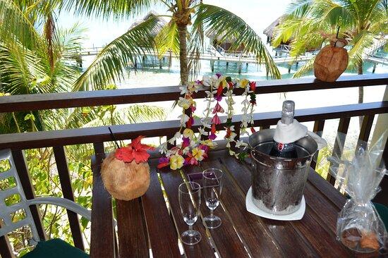 French Polynesia: Welcome in bungalow on stilts over the lagoon ... Sofitel Bora, Motu Pitiuu Uta