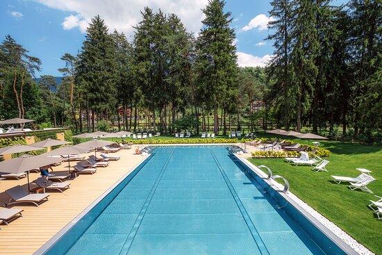 Stenico, إيطاليا: Thermal Spa esterni piscina termale