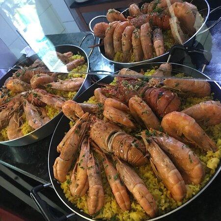 Que tal comemorar o seu aniversário com uma confraternização ou uma reunião familiar aqui na casa?! Você também pode!!! Faça já a sua reserva para o almoço ou jantar e venha saborear os nossos pratos e a nossa deliciosa Paella. Conheça o nosso cardápio completo com todas as nossas opções disponíveis! . Peça através do nosso link: https://www.goomer.app/botequim-da-frei