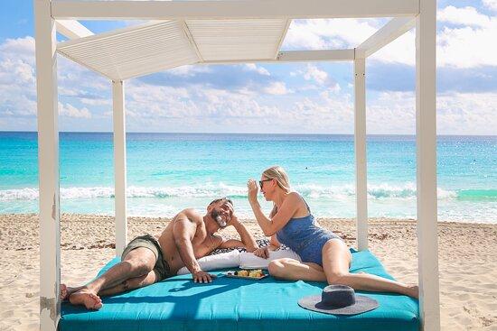 Bar - Picture of Sandos Cancun - Tripadvisor