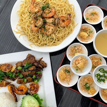With so many TASTY options to choose from...WHY limit yourself??  Let your TASTE BUDS have it's way once in a while 😋  📍 Hue Oi Vietnamese Cuisine  Fountain Valley, CA  📍 Pho Hue Oi  Redondo Beach, CA  ✅Order for DELIVERY/TAKE-OUT! www.HueOiVietnameseCuisine.com  #HueOi #PhoHueOi #GarlicNoodles #BanhBeoChen #vietnamesefood #VietFood #BanhBeo #jackfrooteats #dailyfoodfeed #eater #foodandwine #eaterla #feedyoursoull #seriouseats #eeeeeats #abc7eyewitness #DineLA #huffposttaste #ForkedUp #feedfe