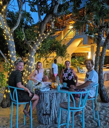 Cabana Cocktail bar vibes