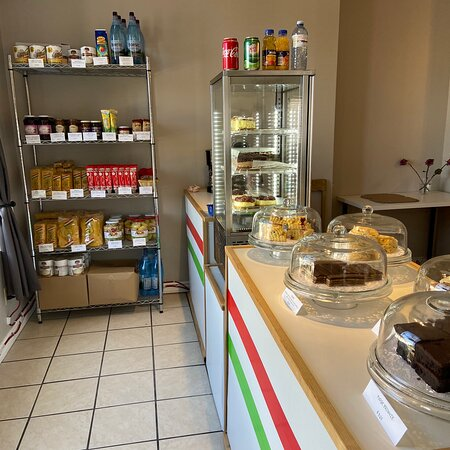 If you need some comfort- come here. Newcastle Ontario is serving up fresh Strudal and Hungarian yummies 💕