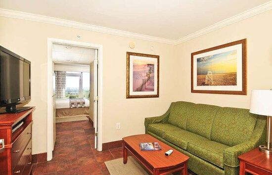 Ocean Front Queen Suite Sitting Area