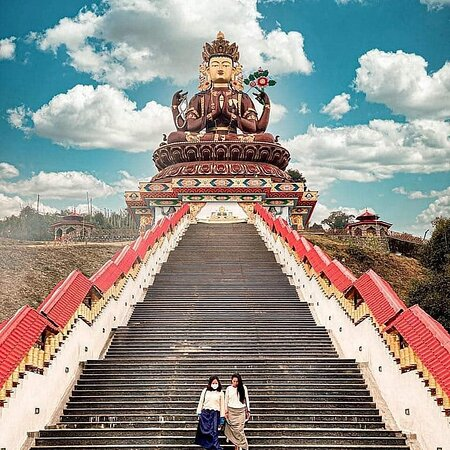 Sikkim, الهند: Chenrezig Statue 💕 ➖ ➖ Location:- Sikkim - India ➖ ➖ Image Credit :- Dm For Credits Or Removal ➖  Follow @shriparthsarthitourstravelfor more !! . . Like Comment Share . @shriparthsarthitourstravel @shriparthsarthitourstravel @shriparthsarthitourstravel @shriparthsarthitourstravel  👉Shri parth sarthi tours & travel  👉shri parth sarthi tempo traveller on rent 👉shri parth sarthi car on Rent    Use Hash Tag :-#himalayas#himalaya#himalayan#himalayangeographic#explorehimalayas#india#india