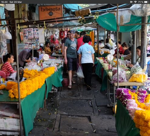 Bangladesh: merkeet for shop