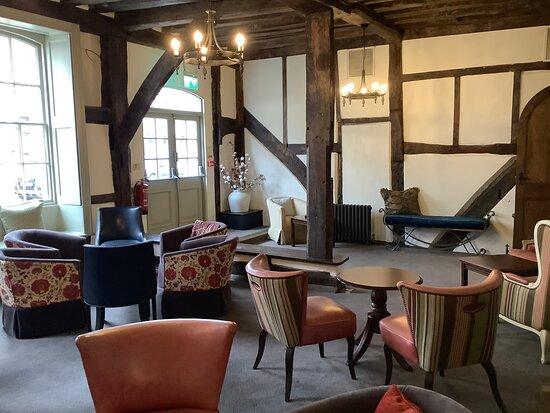 Palmerston Lounge