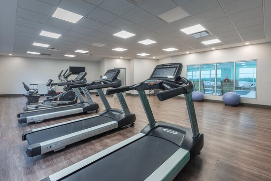 Fully Equipped Gym with Yoga Mats, Weights and Cardio Machines