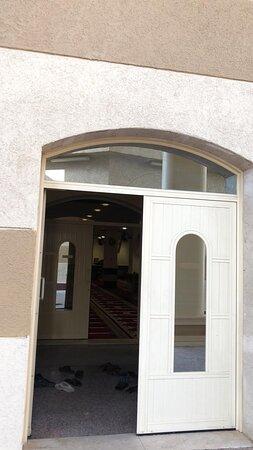 جامع عبدالله راشد الزير