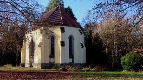 Mausoleum amTiergehege Waldhaus