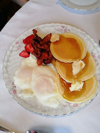 Full hot breakfast, with eggs the way you like - (fresh eggs from our happy hens)