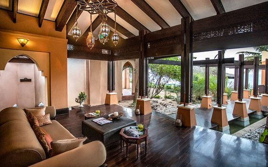 Reception area in Avani Spa with garden view
