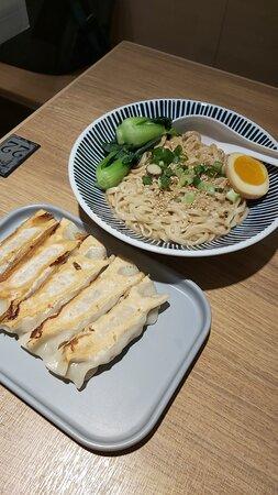 濃香麻醬麵&煎餃子
