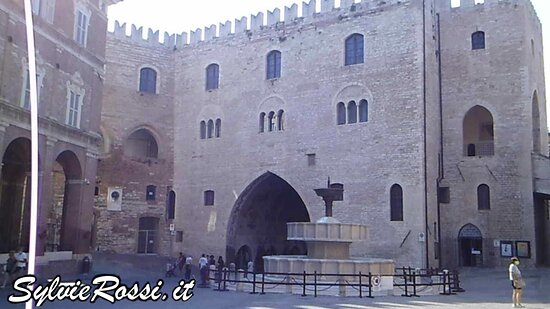 Фабриано, Италия: Centro storico