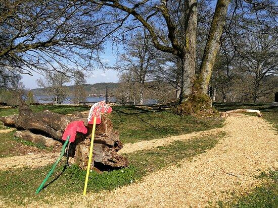 Floda, Sverige: Härliga områden för lek och rekreation i Nääs slottspark. Nice areas for playing and for recreation in the park at Nääs Slott.