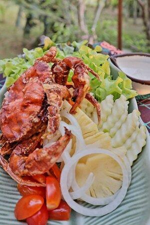สลัดปูนิ่ม Soft-Shell Crab Salad