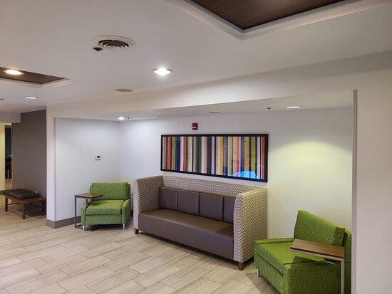 Sheldon, IA: Hotel Lobby