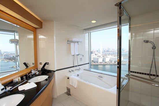 Regular Floor Deluxe Riverview Bath Room