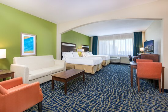 Monahans, TX Holiday Inn Express & Suites Two Queen Bed Suite