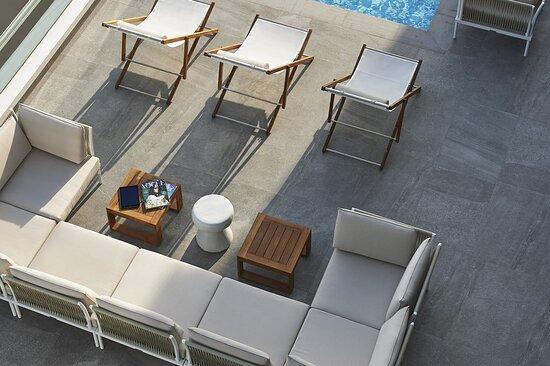 Salus Housetop Lounge