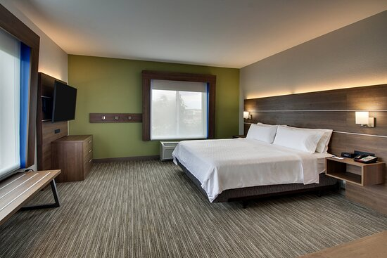 Stay comfortable in our Wheelchair Accessible One King Room