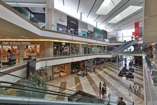 Multiplaza Shopping Center