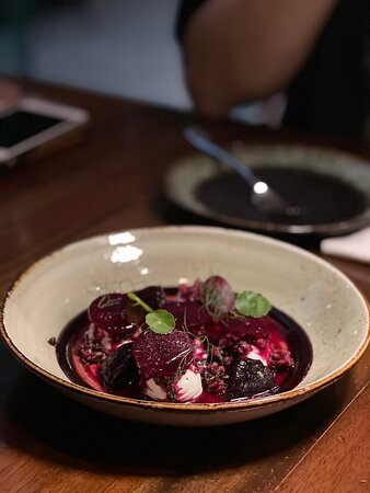 Beetroot, goat cheese and walnut salad