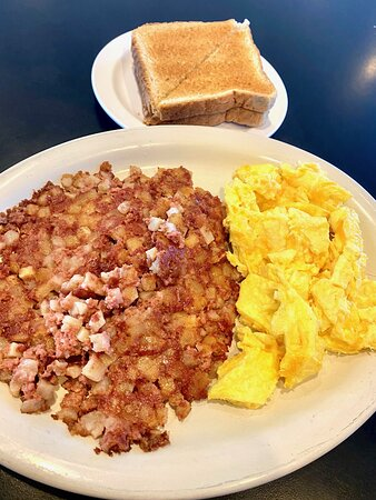 Eureka, IL: Eggs and corned beef hash