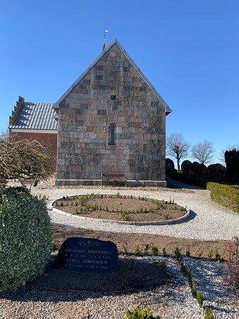 Langaa, Denmark: Kirken set fra øst