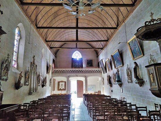Église Saint-Martin De Charnizay