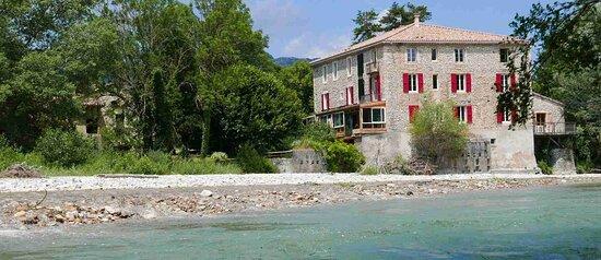le moulin a les pieds dans la Drôme