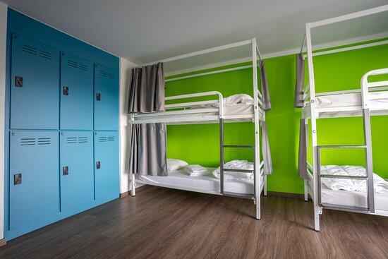 dortoir à 6 lits avec WC