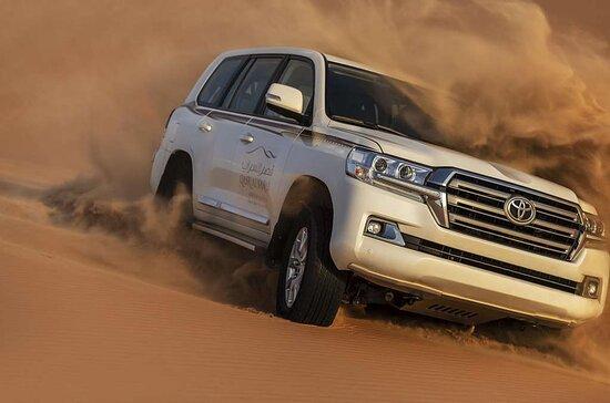 4x4 dune bashing in the desert