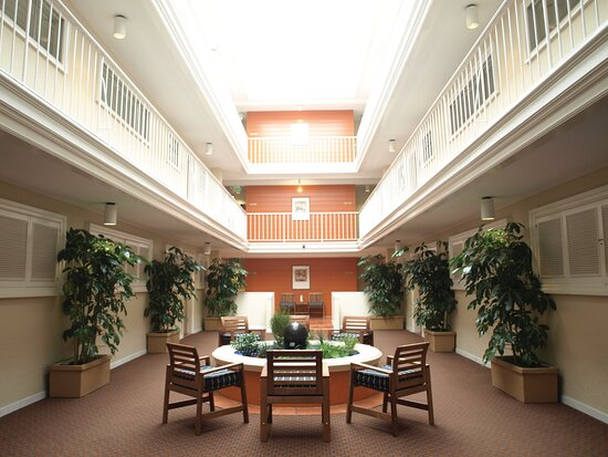 Lobby - The Suites at Fisherman's Wharf