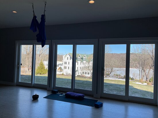 The yoga studio with a view of the lake