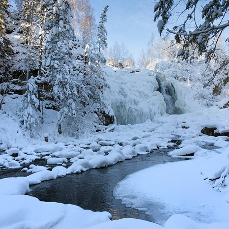 Altai Krai, Russia: Пещерский водопад отходит от зимней спячки