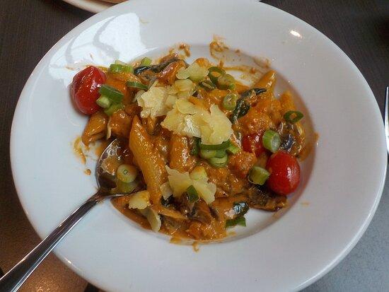 Drouin South, Úc: a seniors vegetarian pasta - delicious