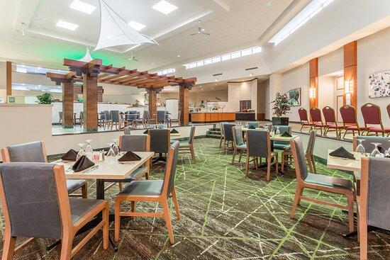 Hotel Lobby - Dining