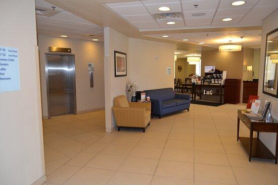 Holiday Inn Express, Bldg. 592,  Hotel Lobby