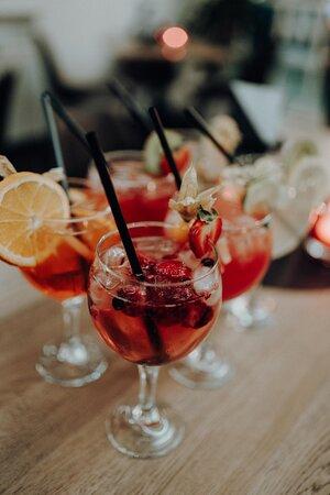 MiMi&CoCo's Spritztour mit einer Auswahl von 17 verschiedenen Cocktails.