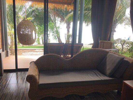 Room beach front 2p.