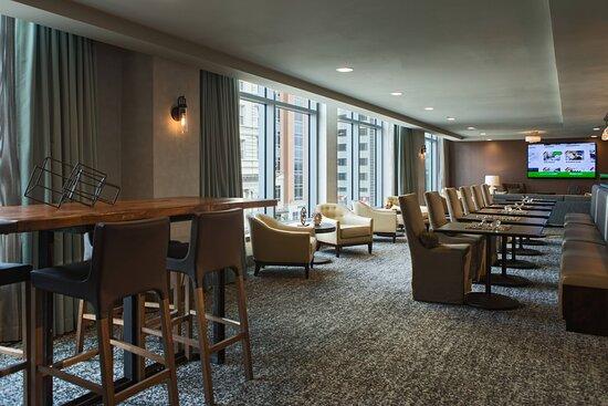Executive Lounge - Dining Area