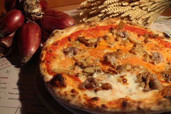 San Tomaso Agordino, Italia: Pizzia piaia. pastin e funghi