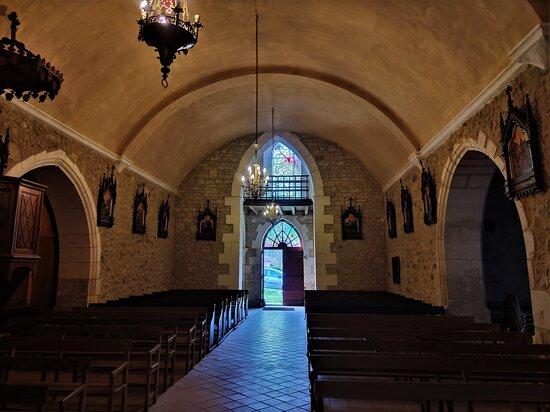 Eglise St Martial De Chantrezac