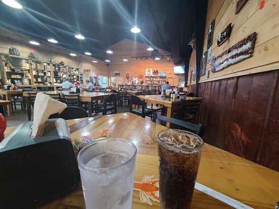 Rayne, LA: Restaurant/bar