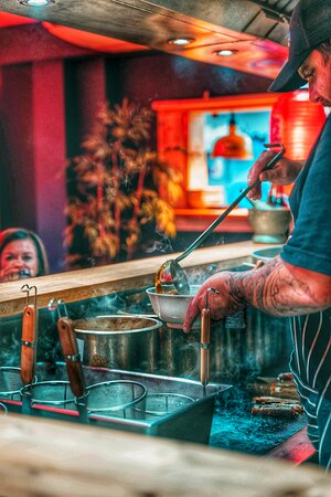 CHEF ON THE LADLE