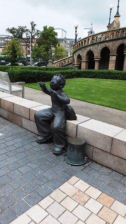 دندي, UK: OOR Wullie Bronze Statue