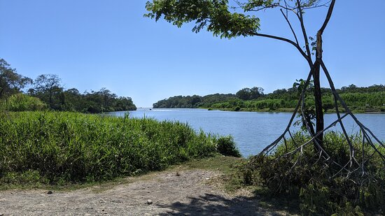 Palo Seco, Costa Rica: Another waterway -- not only the sea surrounding the hotel.