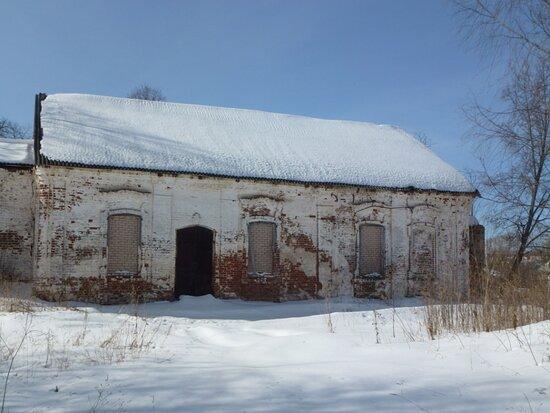 Вид на основной объём и трапезную Никольской церкви