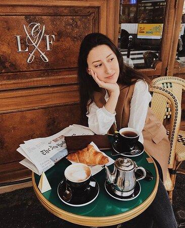 Petit-déjeuner parisien... 🥐 ◾ 📷 Repost : @yana_kondrateva ◾ ◾ ◾ #foodgasm #foodlover #lunch #cuisine #gourmet #paris #yummy #foodie #traditionalcook #frenchfood #augenerallafayette